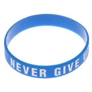 Vòng tay cao su Never Give Up